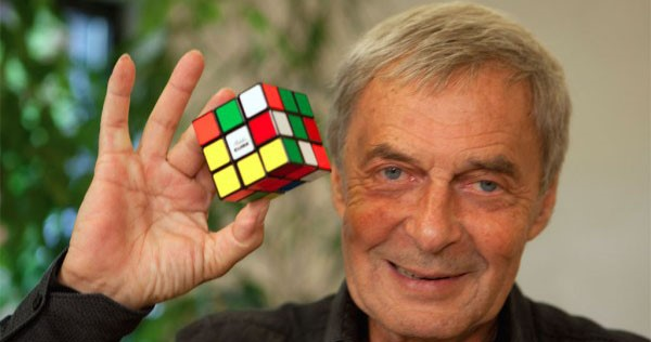 HOW TO SOLVE A 3*3 RUBIK'S CUBE ???